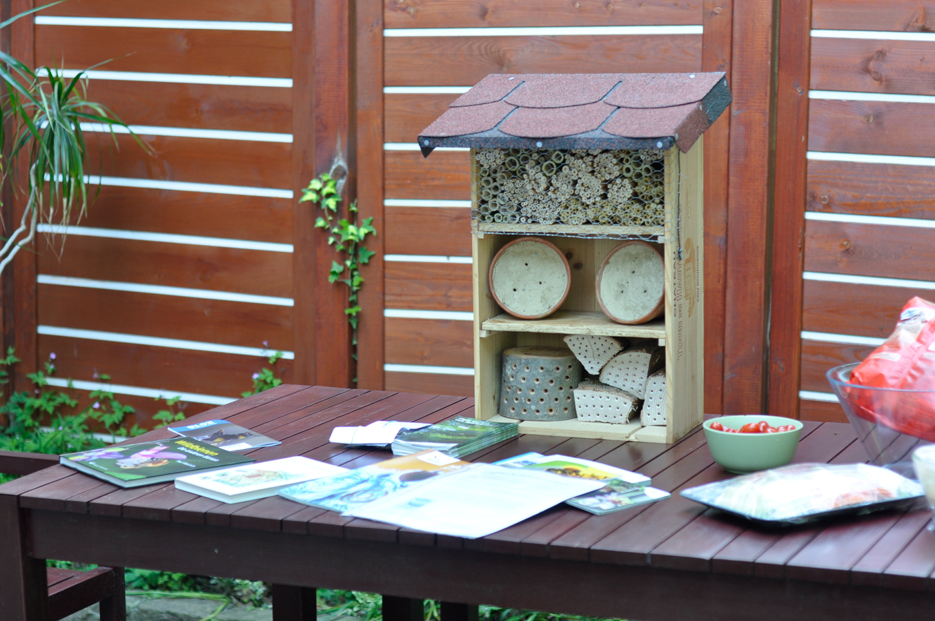 Wildbienenhaus gemeinsam bauen 66