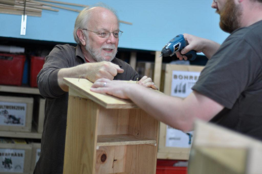 Wildbienenhaus gemeinsam bauen 17