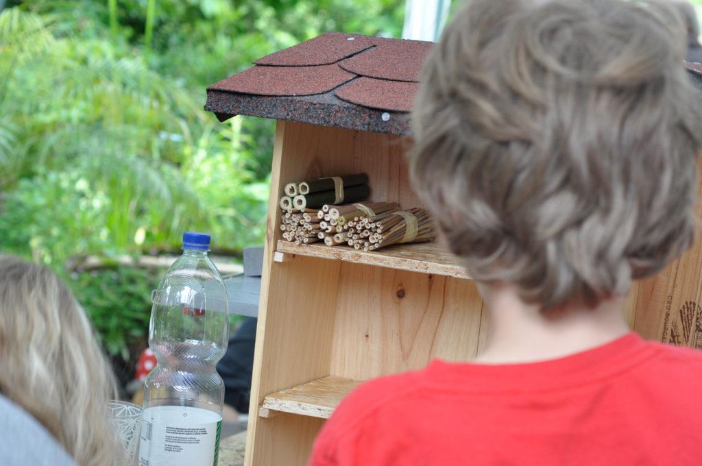Wildbienenhaus gemeinsam bauen 19