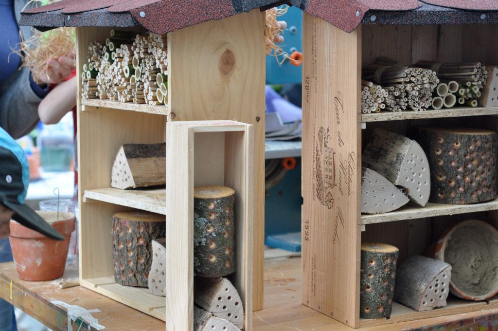Wildbienenhaus gemeinsam bauen 49
