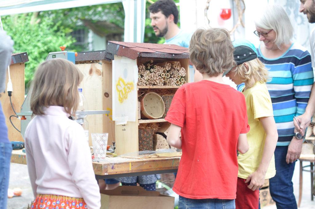 Wildbienenhaus gemeinsam bauen 54