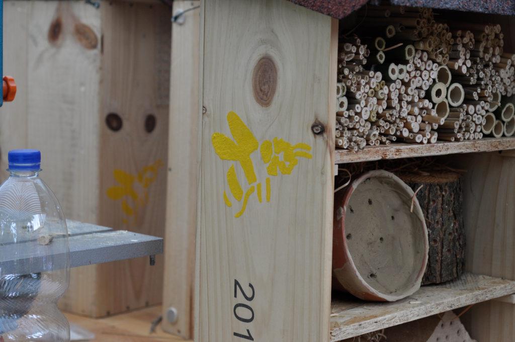 Wildbienenhaus gemeinsam bauen 53