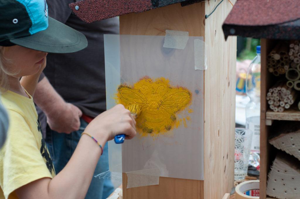 Wildbienenhaus gemeinsam bauen 50