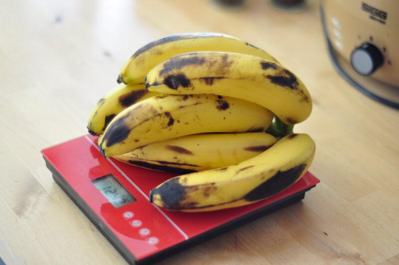 1200 g Bananen entsprechen ungefähr 7 Stück